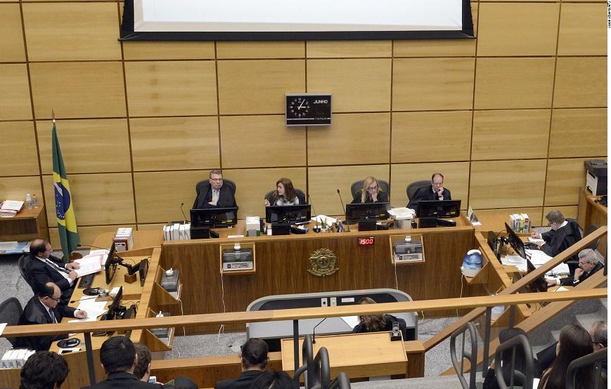 Ministros da Quarta Turma do STJ julgaram processos relativos a questões de família, como obrigação de pensão alimentícia e reconhecimento de paternidade